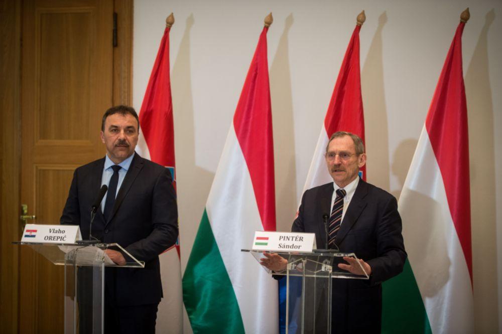 A szisztematikus határellenőrzésről egyeztetett a magyar és a horvát belügyminiszter