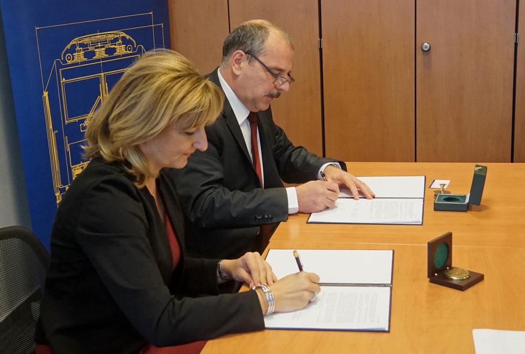 Együttműködési megállapodást kötött a MÁV-csoport és az Óbudai Egyetem