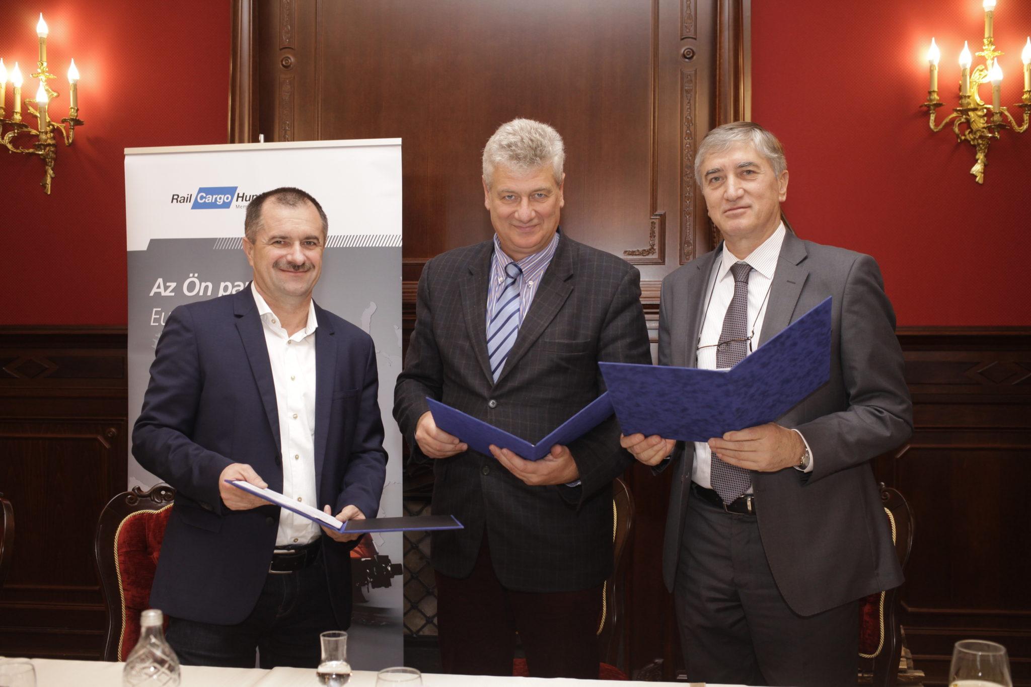 Vasúti fuvarozási együttműködési megállapodást kötött az ISD Dunaferr és az RCH