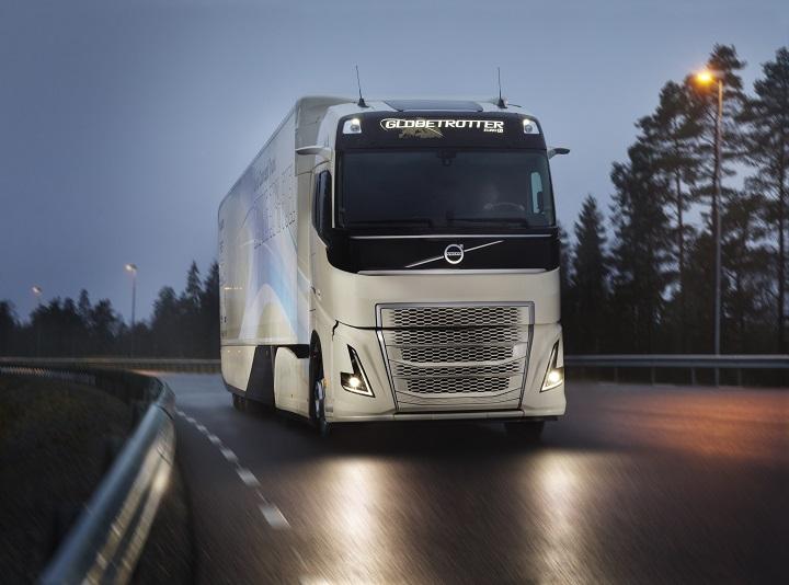 Hibrid hajtásláncot tesztel a Volvo Trucks