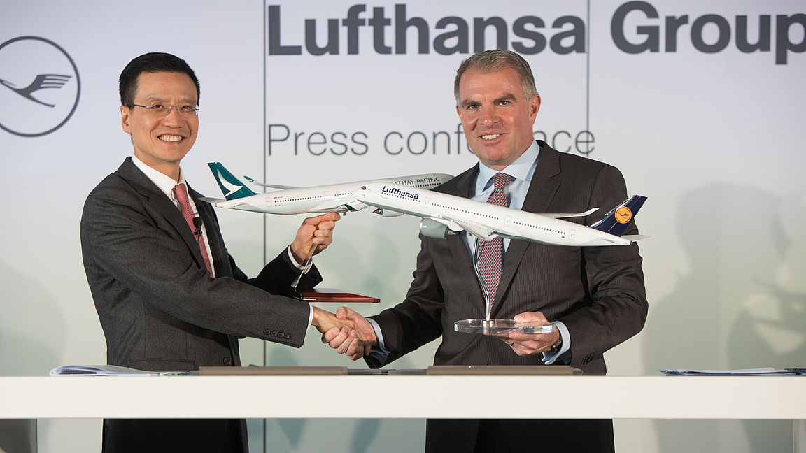 Együttműködik a Lufthansa Csoport és a Cathay Pacific Airways légitársaság
