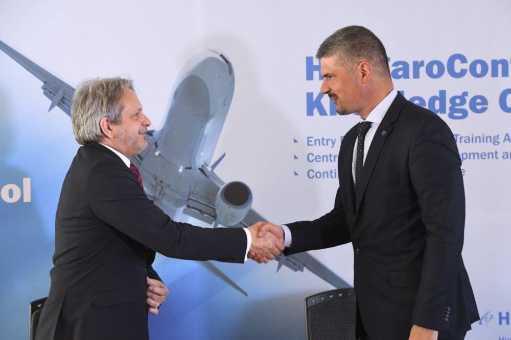 Együttműködési megállapodást írt alá a HungaroControl és a Honvédelmi Minisztérium