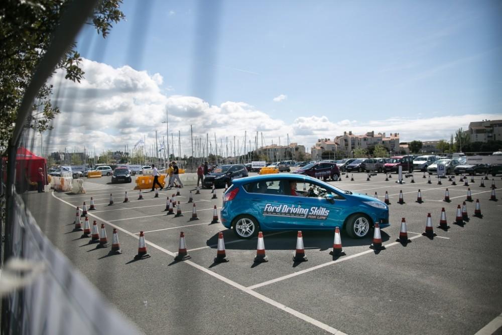 Magyarországra is megérkezik a Ford ingyenes vezetéstechnikai programja