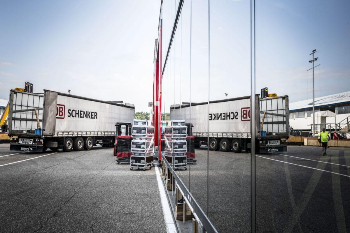 DB Schenker szállítja az Ezüst Nyilakat a Hungaroring-re
