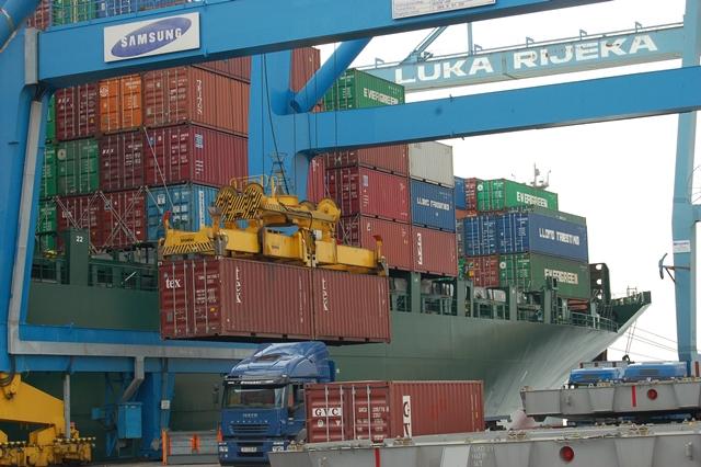 Horvátország eladja a Rijekai Kikötő részvényeinek egy részét