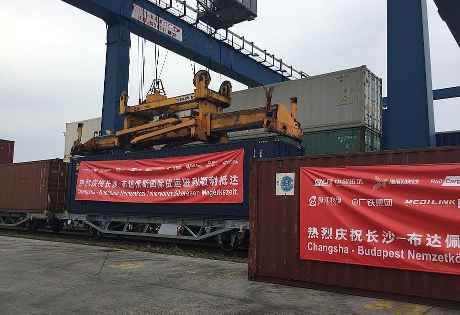 A Kínába irányuló szárazföldi áruforgalom növekedésére számítanak a szakértők