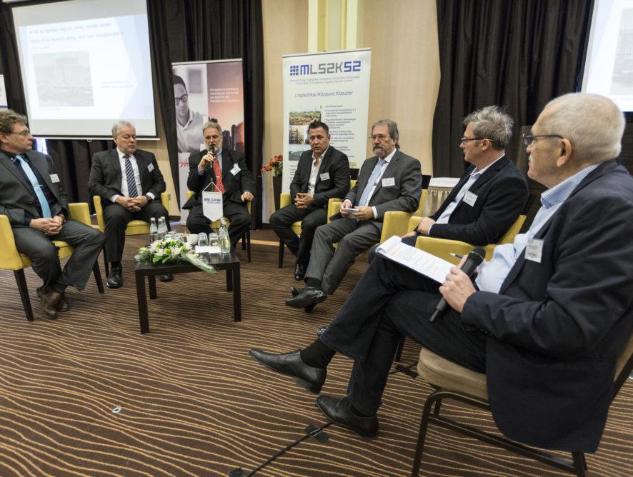 Egyre nehezebb helyzetben a magyar fuvarozók