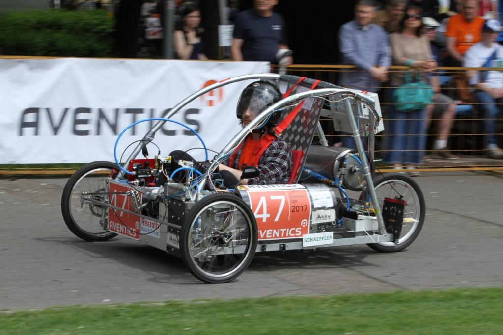 Negyven csapat áll rajthoz az egyetemisták autóversenyén Egerben