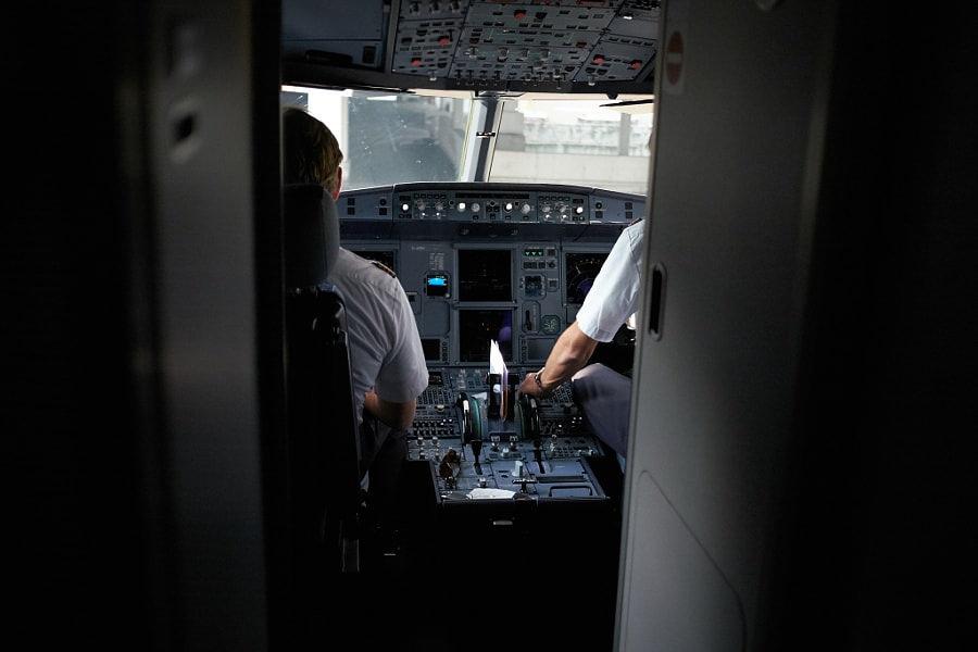 Durva pilótahiány köszönthet a világra