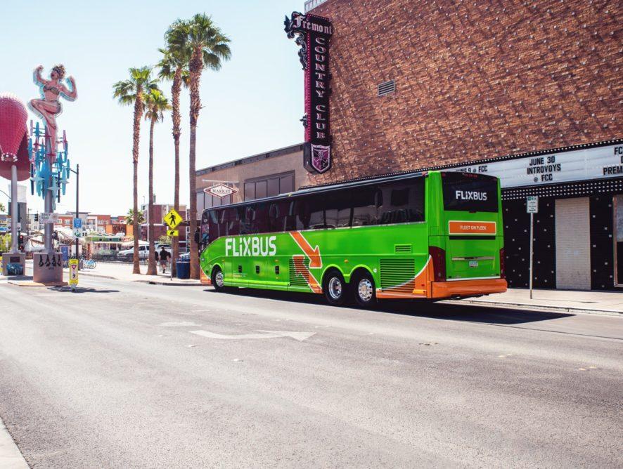 A FlixBus megduplázta amerikai hálózatát
