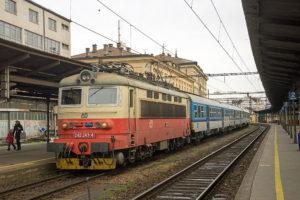 Nagy kedvezménnyel utazhatnak a cseh nyugdíjasok és a diákok