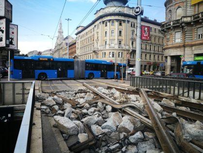 Jelentős korlátozásokkal zajlottak a fővárosi villamospálya-korszerűsítések