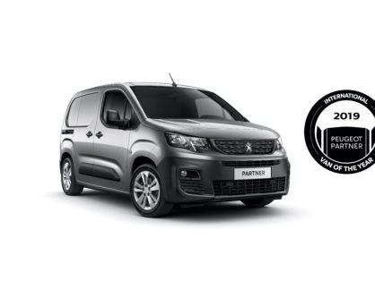 Új PEUGEOT PARTNER: International Van Of The Year 2019 Szeptember