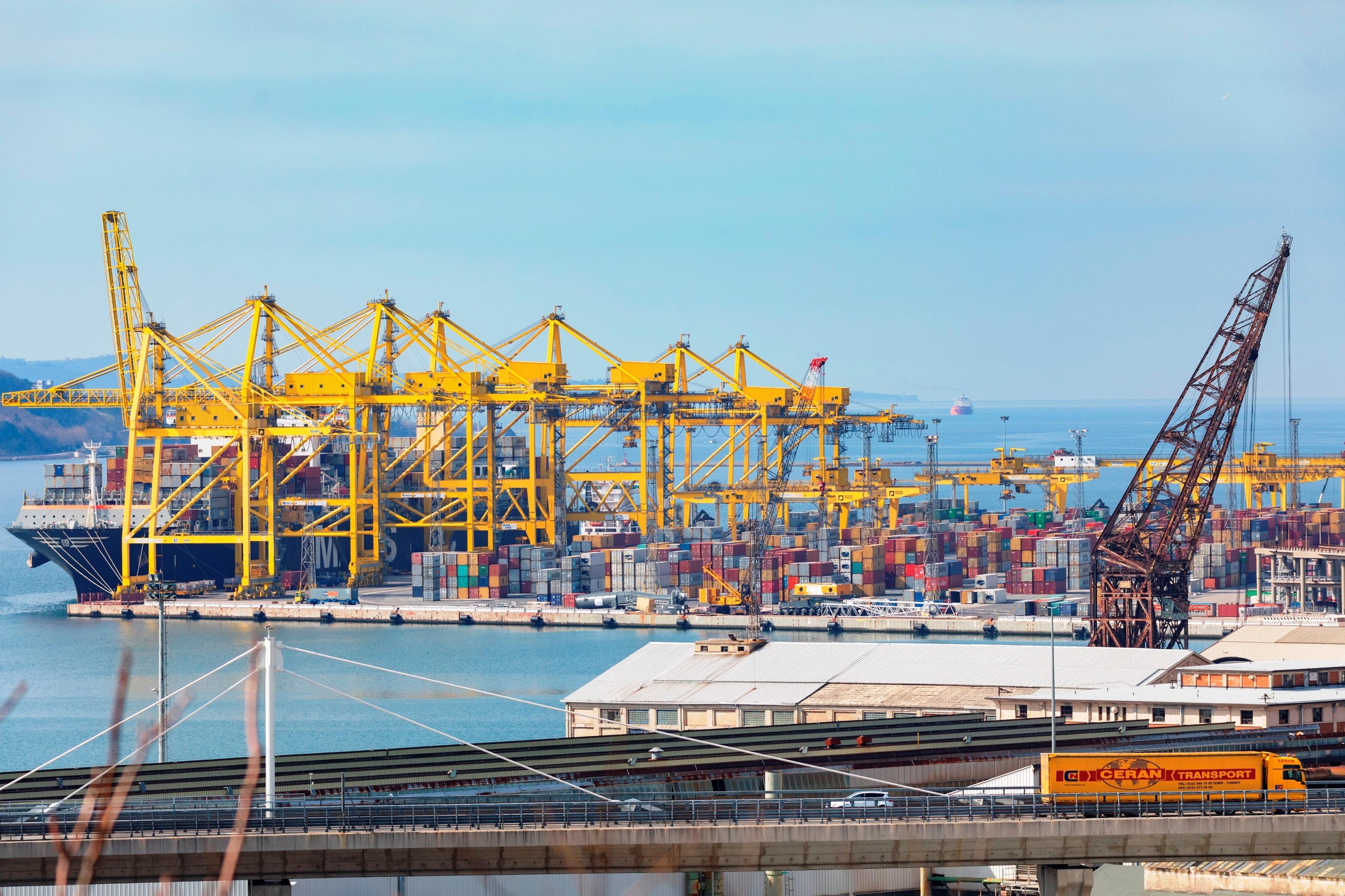 Intermodális szolgáltatások és új rakodópartok Európa kapujában