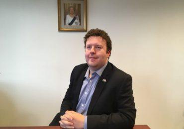 A koronavírus áldozata lett Steven Dick, az Egyesült Királyság magyarországi nagykövet-helyettese