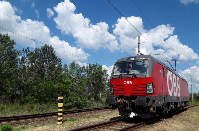 56 SIEMENS Vectron villamos mozdony kapott magyarországi hatósági üzembehelyezési engedélyt