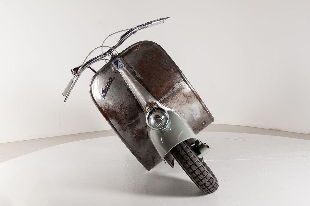 A világ legrégebbi Vespa robogója