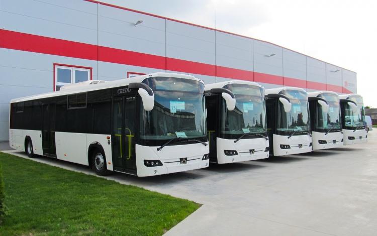 Forgalomba áll 100 új magyar busz az utakon