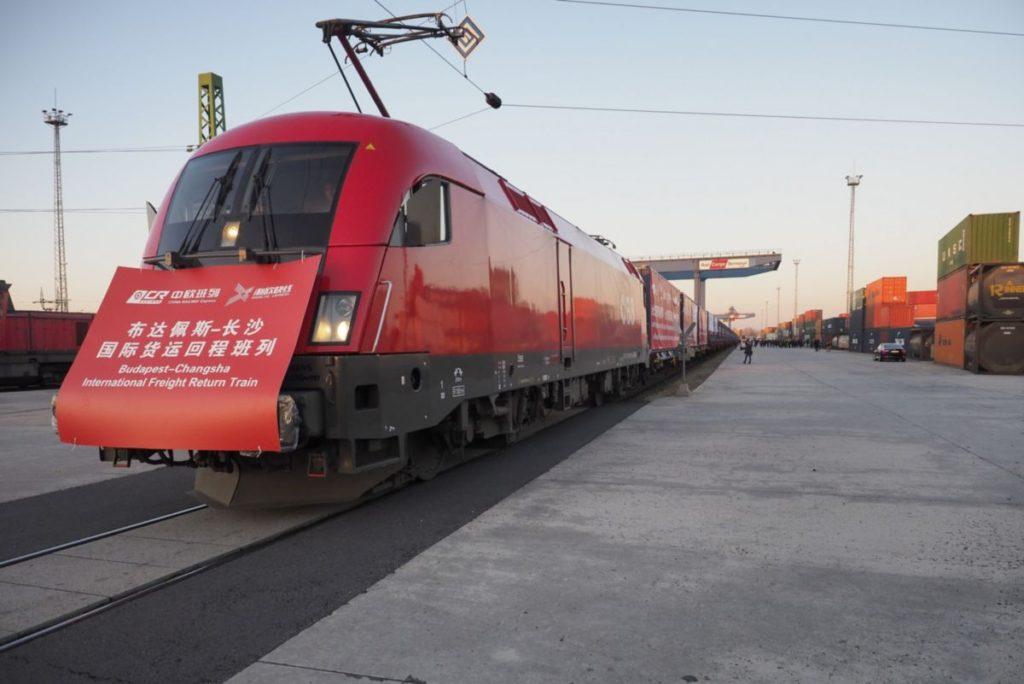 Elindultak Kínába az első magyar árukkal rakott konténervonatok