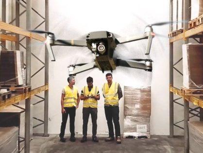 Raktárakban röpködő, vonalkódokat szkennelő drónok