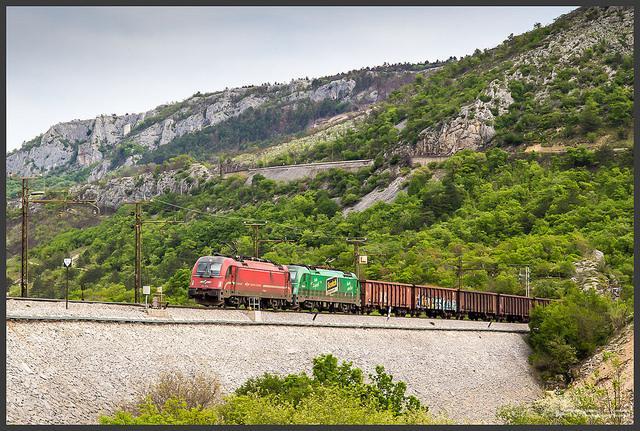 """Érvénytelenítették a Koper és Divaca közötti """"második vasúti vágányról"""" szóló szlovén referendumot"""