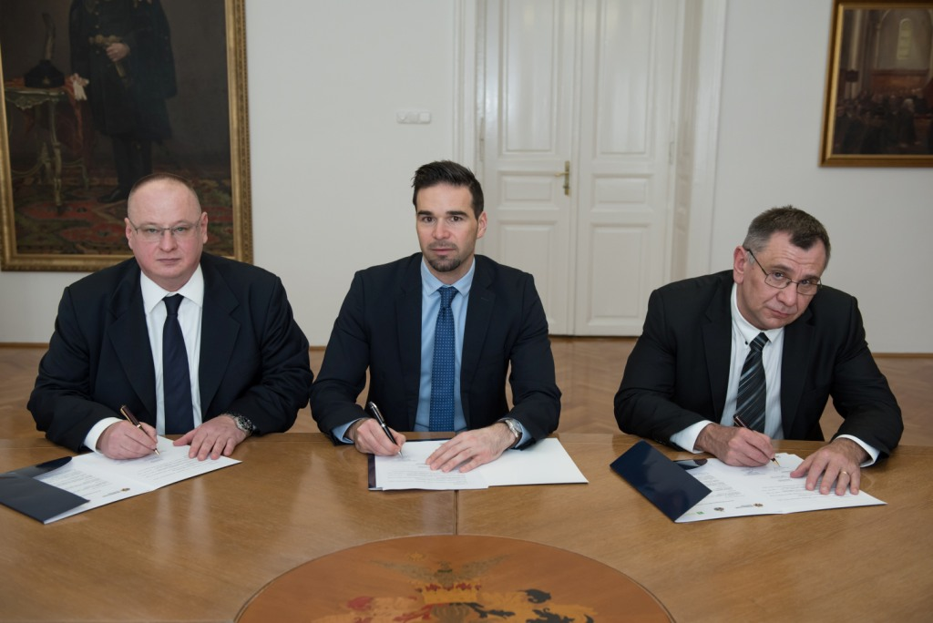 Háromoldalú stratégiai megállapodást kötött 2018. március 20-án az ITK Holding Zrt., Debrecen Megyei Jogú Város Önkormányzata és a Debreceni Egyetem