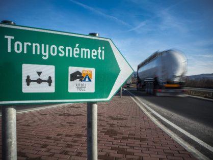 A tengelysúlymérő rendszer pontatlanságai miatt tömeges bírságoktól tartanak a közúti fuvarozók