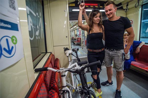 Kerékpárszállítási próbaüzem a 4-es metró vonalán