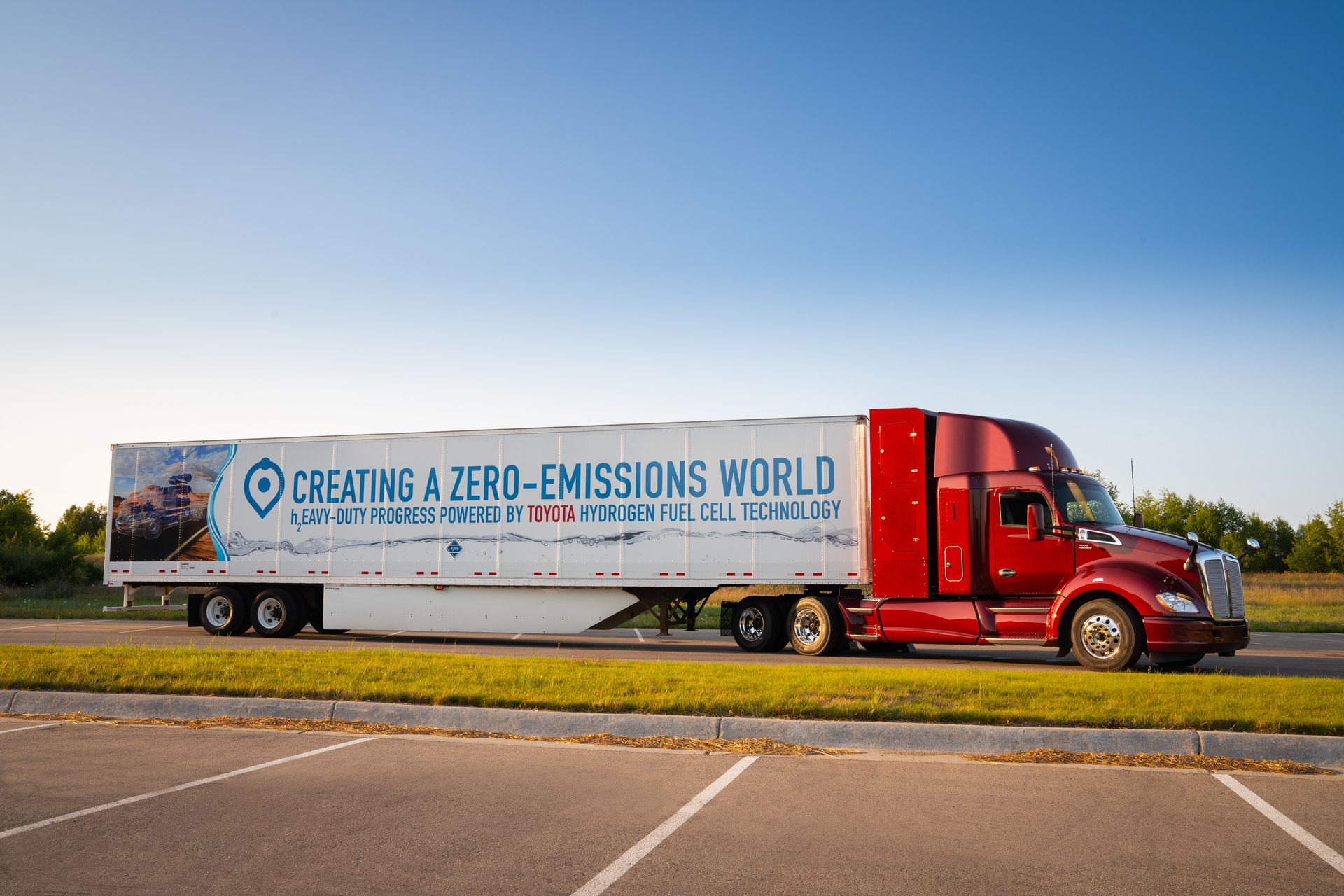 Innovatív elektromos és hidrogénnel működő üzemanyagcellás tehergépkocsikat mutat be a PACCAR a CES 2019 kiállításon