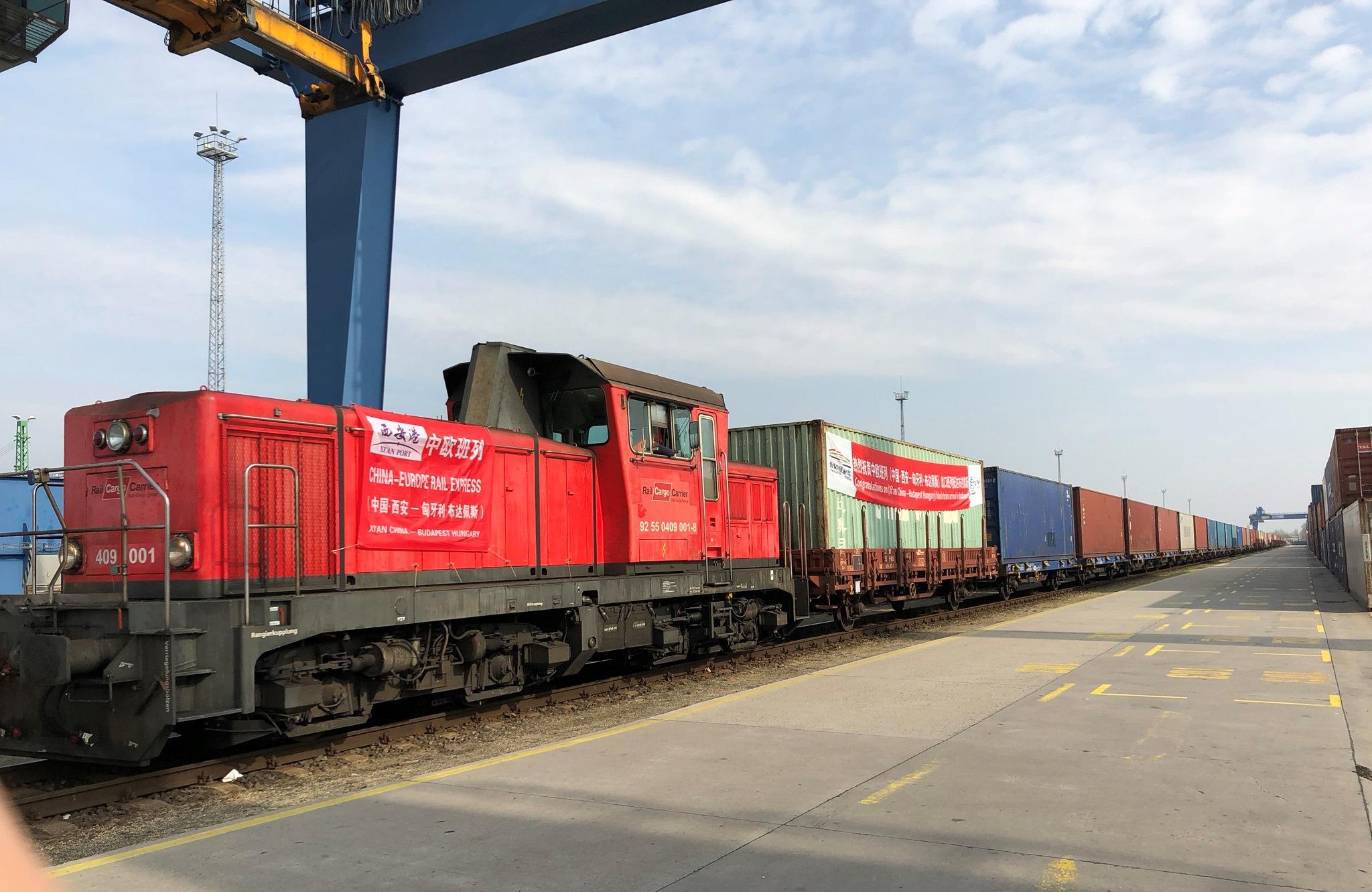 Megkezdődött a rendszeres vasúti konténerfuvarozás Hszian és a Rail Cargo Terminal - BILK között