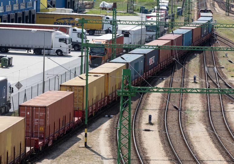 Megérkezett az idei első közvetlen kínai konténervonat Budapestre