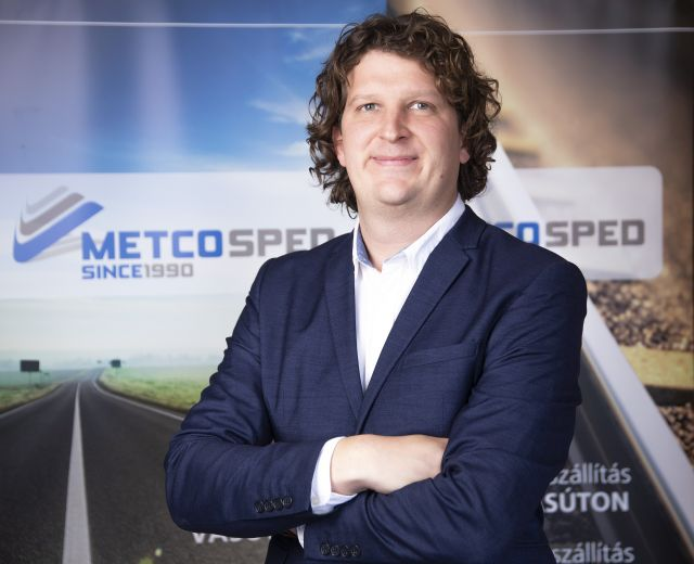 Kézműves megoldások csapatmunkában – interjú Forgács Péterrel, a Metcosped közúti és konténeres szállítmányozási és logisztikai osztályának vezetőjével