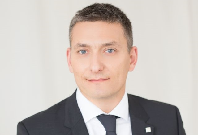 A nagycsomagos szállítások szakértője – interjú Csiszár Zsolttal, a Gebrüder Weiss Kft. értékesítési és marketing részlegvezetőjével