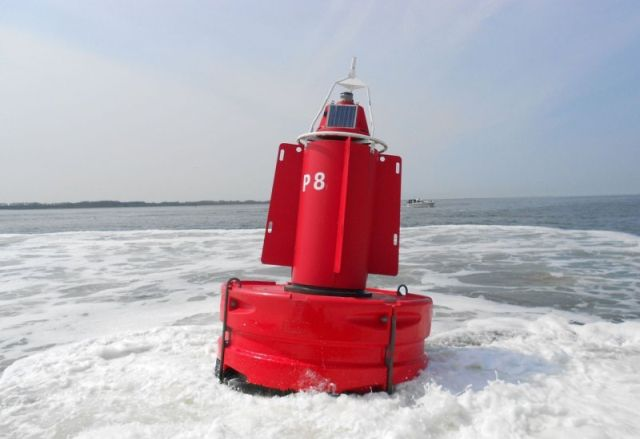 A folyami bója távfelügyeleten át a tengeri vitorlásokig